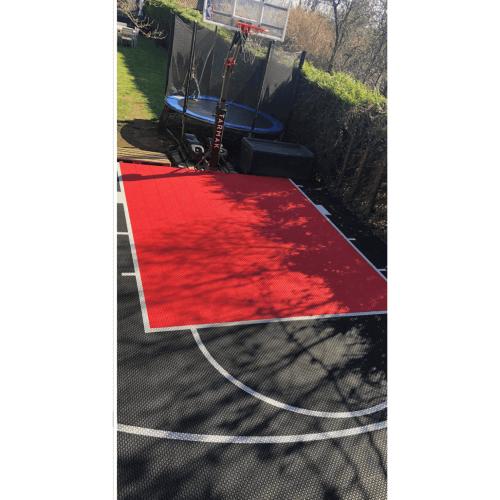 terrain_basketball_noir_rouge